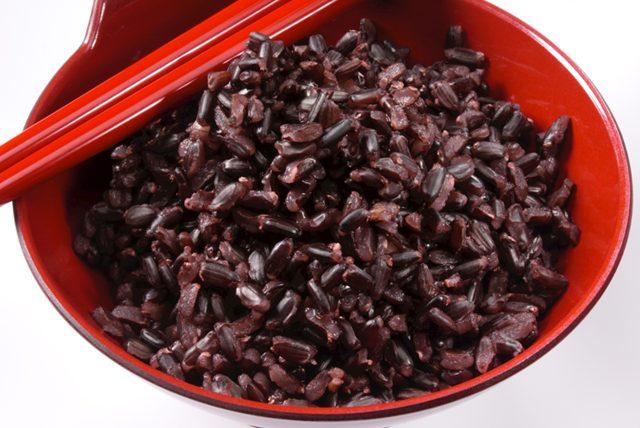 Kilo aldırmayan pilav tarifi. siyah pirinç