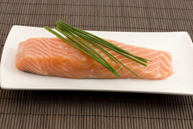 Kilo vermeye ve kilo korumaya yardımcı somon balığı tarifi