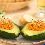 Kilo vermeye, göbek eritmeye yardımcı ton balıklı avokado