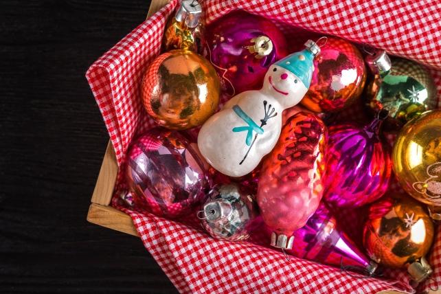 christmas-decorations-1934945_1920-1.jpg