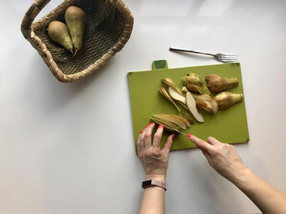 pears-3210981_1920-1.jpg
