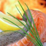 Yılbaşı sofranız için kilo aldırmayan somon balığı tarifi